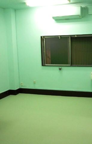 壁の天井は、水色で下は薄い緑にしました。